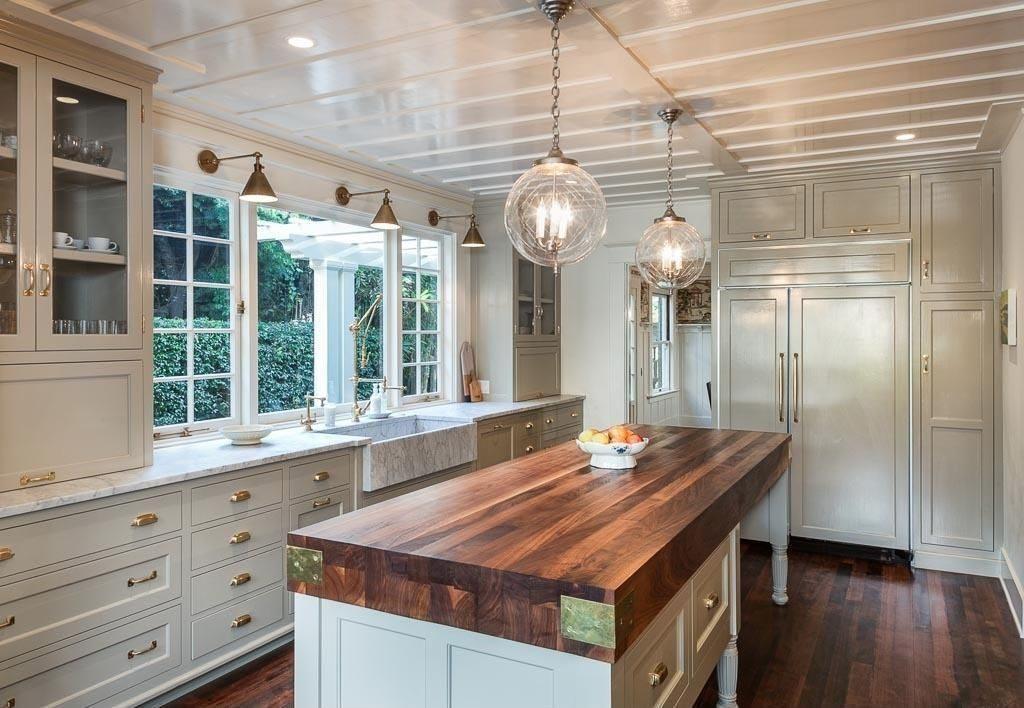 chọn vật liệu thích hợp cho kệ bếp nhà bạn