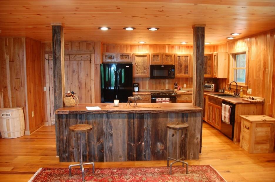 tủ bếp nhựa và tủ bếp gỗ tự nhiên có ưu nhược điểm gì