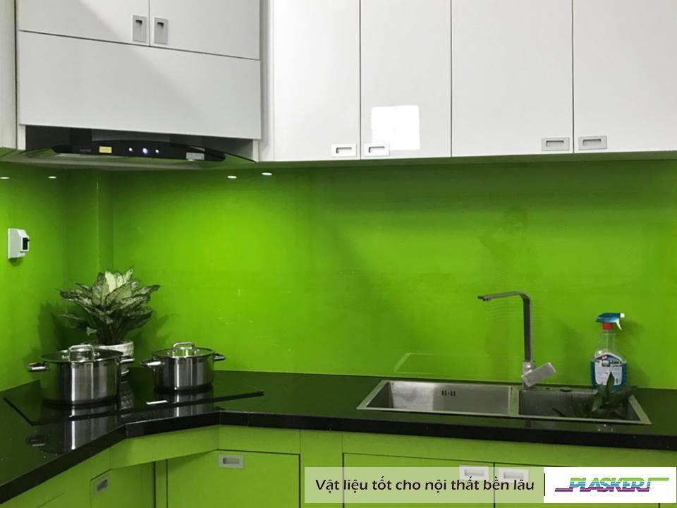 tủ bếp gỗ phủ acrylic bóng